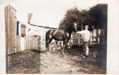 4500_017_Center Square Postcard_Man with Horse