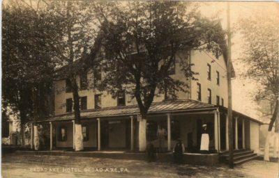 4500_069_Broad Axe PA Postcard_Broad Axe Hotel_Circa 1913